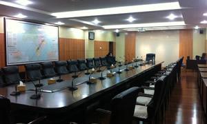 某市市委党委会议室5